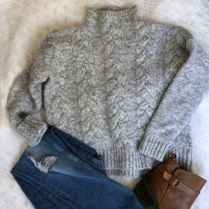 // Madewell cable knit sweater //
